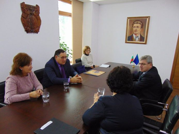The Rector of MU-Varna Prof. Dr. Krasimir Ivanov Paid a Visit to Shumen