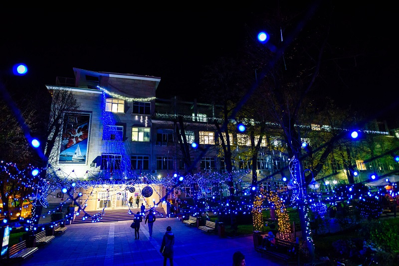 MU-Varna Is the Winner in the Competition of Varna Municipality for the Most Beautiful Christmas Decoration