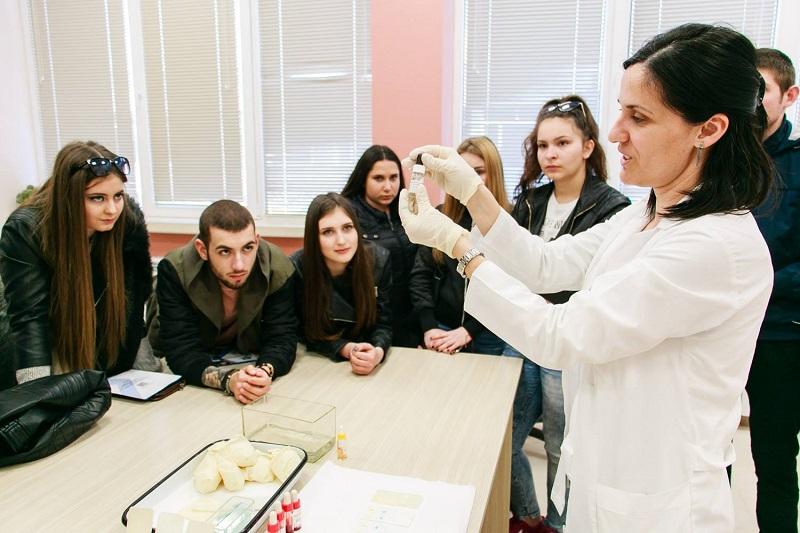 Дните на отворени врати в МУ-Варна привлякоха рекорден брой кандидат-студенти