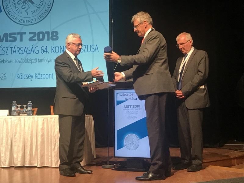 Проф. Росен Маджов бе избран за почетен член на Унгарското хирургическо дружество